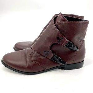 Shellys London burgundy leather ankle bootie 8.5